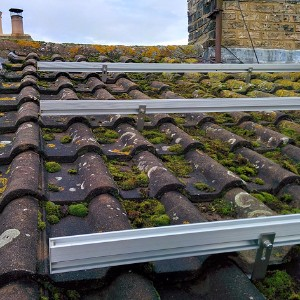 roof-solar-mount-tile-silver